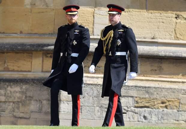 Британцам не понравилось желание принца Гаррискорее вернуться с похорон к Маркл