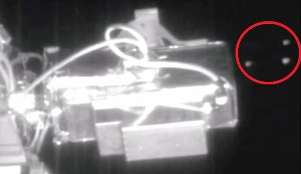 Мимо МКС пронеслись пять НЛО