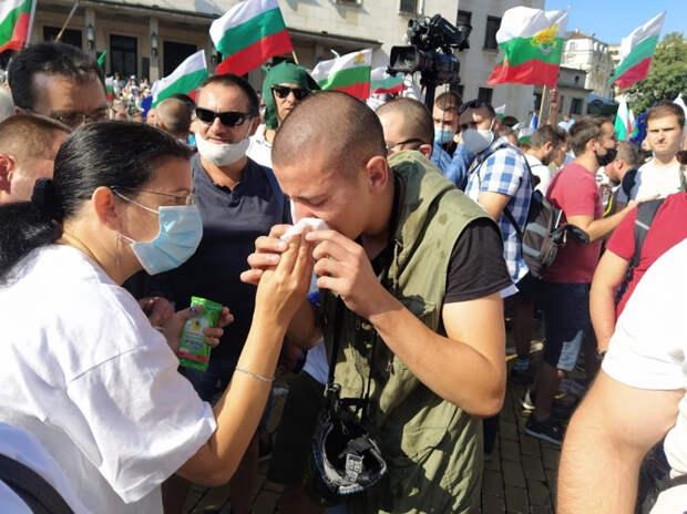 Почему президент Болгарии поддерживает тех, кто штурмует парламент