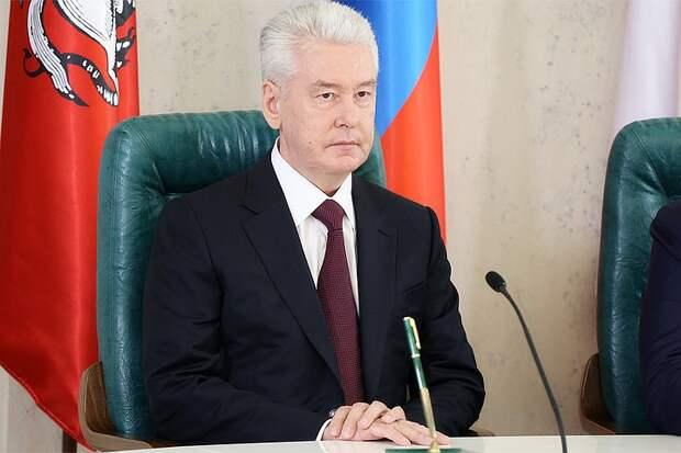 Собянин вручил премии лучшим врачам Москвы