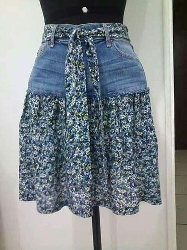 Старые джинсы превращаются... в новую юбку