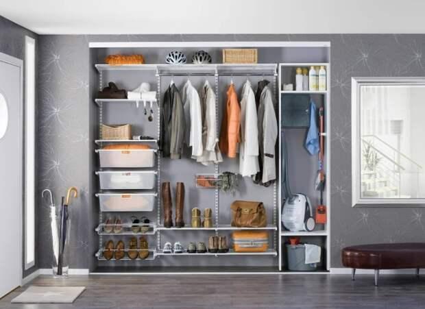 Выбираем многофункциональный шкаф. Такое смелое решение поможет сохранить и место и время.