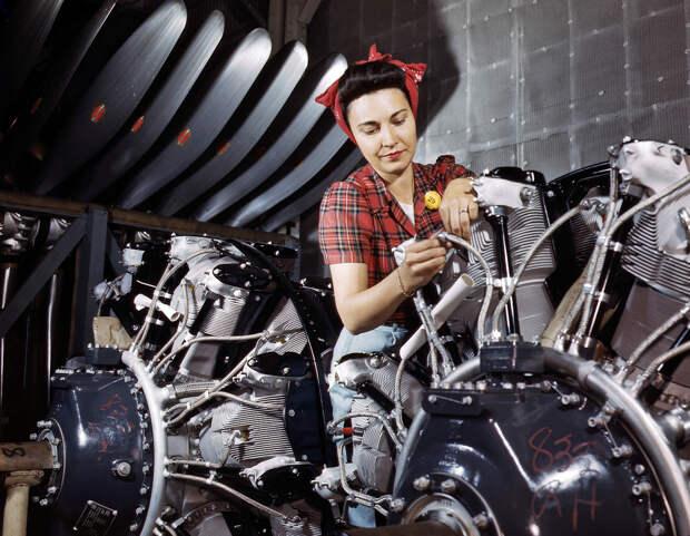 Фоторепортаж Альфреда Палмера 1942 года о том «как ковалось оружие победы». B-25 Mitchell