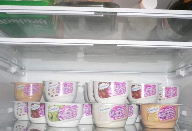В холодильнике йогурт простоит 1-2 неделю после просрочки / Фото: irecommend.ru