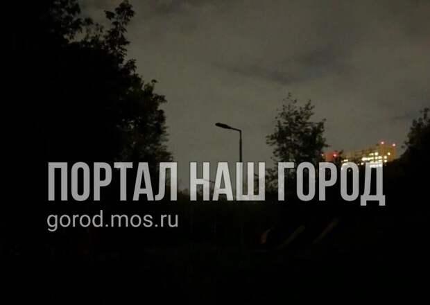 Улица Твардовского погрузилась во мрак