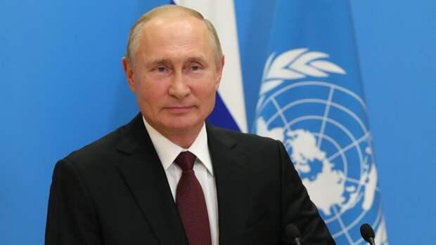 Путин получил поздравления с Днем России от глав АбхазиииЮжной Осетии
