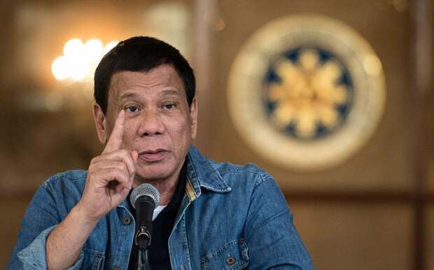 Вакцинируйтесь или я посажу вас в тюрьму — президент Филиппин