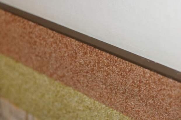 3 причины отделать стены в гостиной ковролином