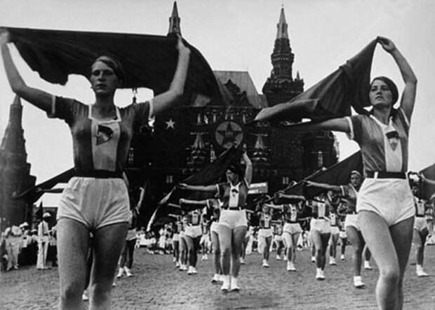 Я вовсе не хочу сегодня взять все и поделить, я просто хочу вернуться в СССР и никому там ничего не отдавать