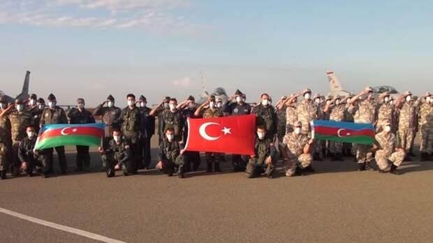 Армянский эксперто совместных учениях Турции и Азербайджана: Пожар не тушат бензином