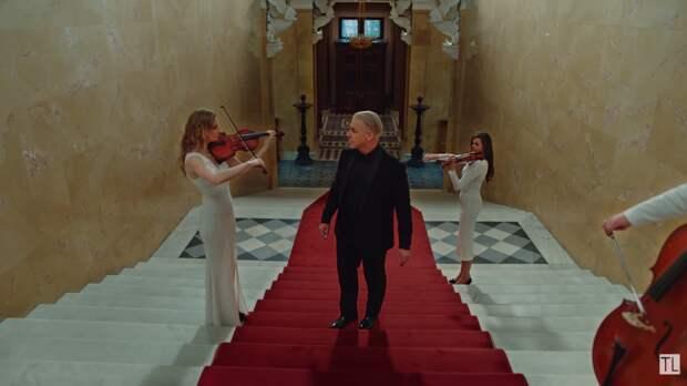 Лидер Rammstein к 9 Мая представил новую версию песни «Любимый город» с оркестром