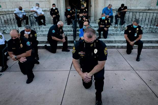 14 главных фактов о погромах в Миннеаполисе, где полицейский убил черного жителя