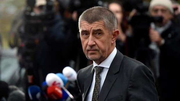 """Чешский премьер призвал коллег по ЕС поддержать дипломатическую """"войну"""" с Россией"""
