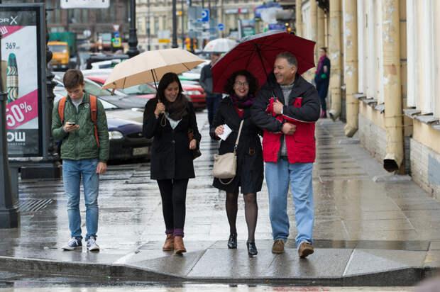 К середине рабочей недели в Петербург придут дожди
