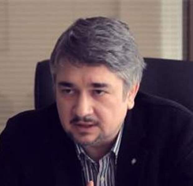 Поддержать ЧСВ: зачем Украина вводит санкции против России