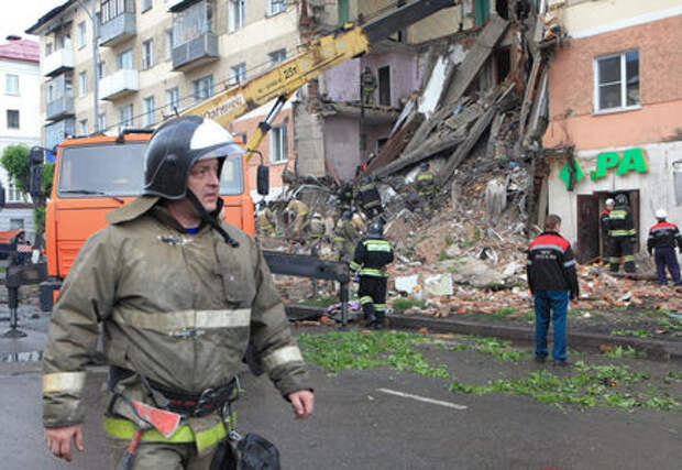 Пожарным и скорой помощи могут дать право на таран