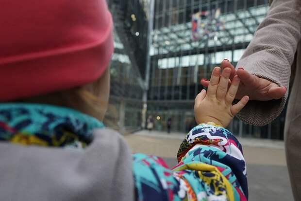 Няня украла из семьи двухлетнюю девочку в городе Видное