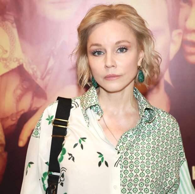 Марина Зудина прокомментировала заявления Елены Прокловой о домогательствах со стороны «очень известного актёра»