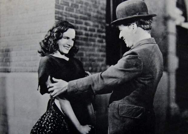 Чарли Чаплин и Полетт Годдар - очаровательная и талантливая пара. / Фото: forum.ge