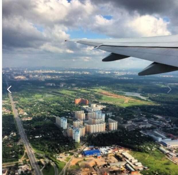 Фото дня: Молжаниновский из окна самолета