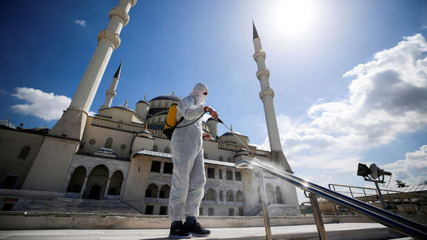 Турция ослабит карантинные меры с 17 мая