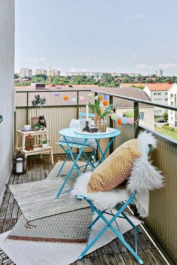 Пожалуй один из лучших вариантов оформления балкона, что вдохновит.