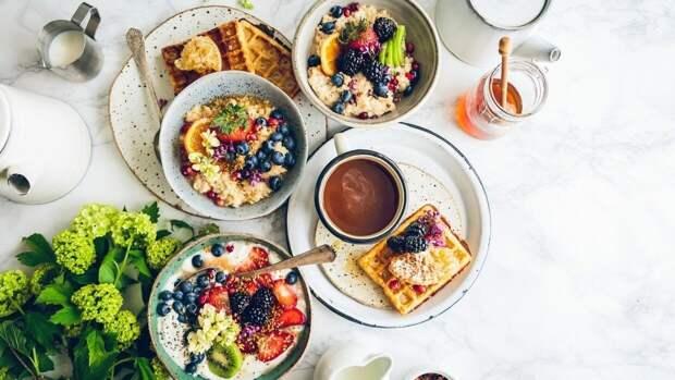 Диетолог Бобровский рассказал о главных секретах приема пищи по утрам