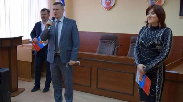 Руководители города поздравили представителей местного самоуправления  с профессиональным праздником