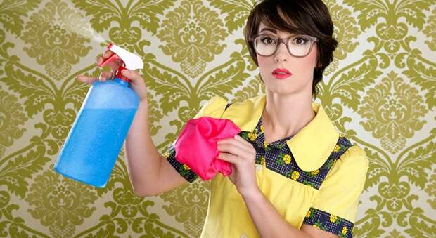 как почистить обои от пятен домашних условиях
