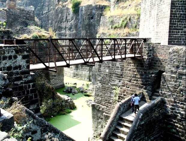 Крепость Даулатабад. Источник http://tourpedia.ru/devagiri/