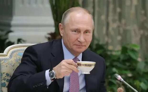 Тайные сообщения, которые президент зашил в статью об Украине