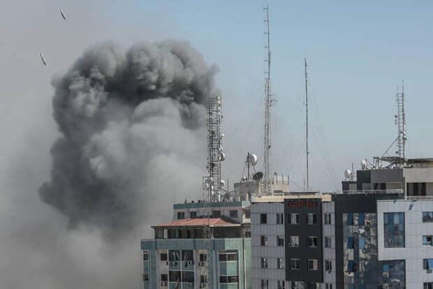 Военкор Коц показал кадры невероятного везения при ракетном ударе в Газе и Сдероте
