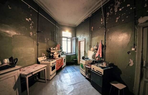 В Санкт-Петербурге и сегодня очень много коммунальных квартир. /Фото: snip1.ru