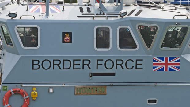 CNN: Британия направит два корабля в Ла-Манш после угроз Франции