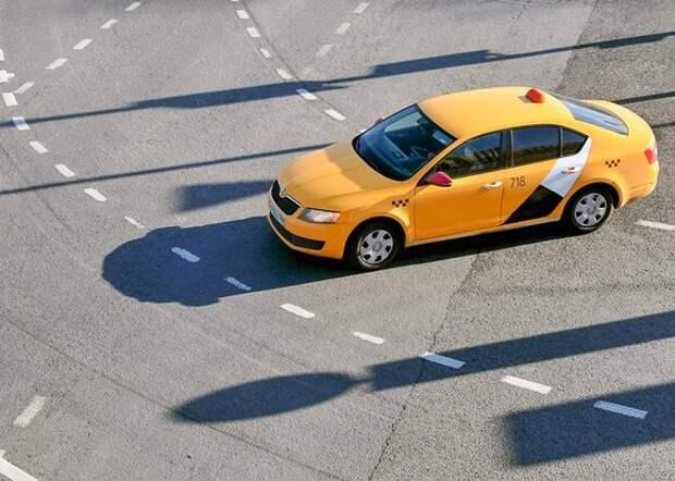 По выделенной полосе на участке проспекта Мира запретят ездить таксистам