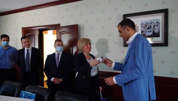 «Петровакс» передал врачам Подольска препарат для поддержки иммунитета