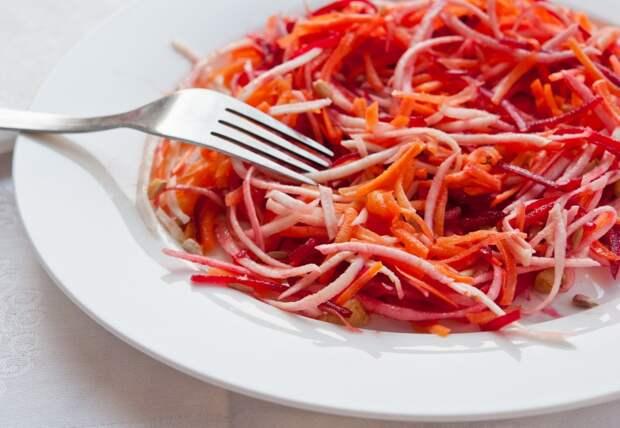 Такой салат быстро приведет организм в тонус