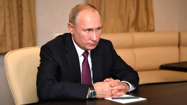 Слова Владимира Путина о «недобитых карателях» объяснили в Кремле