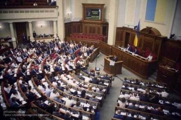 Бортник: Украина отодвинула решение конфликта в Донбассе на второй план