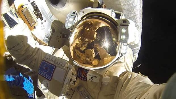 В «Роскосмосе» получили запросы туристов на выход в открытый космос