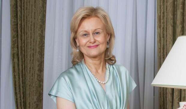 Похоронили три раза: инфицированная Донцова вышла на связь
