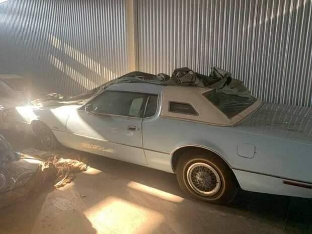 Дилерские запасы: абсолютно новый Ford Thunderbird 1976 года безпробега