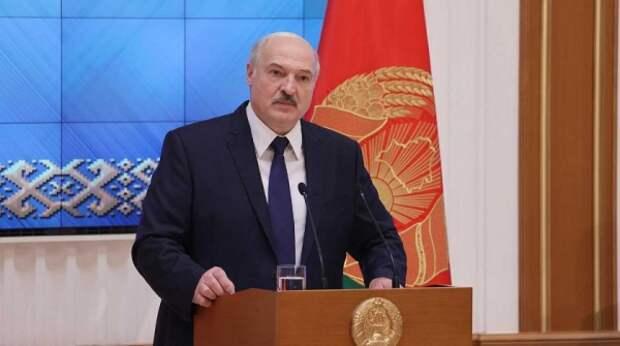 """Лукашенко разрешил милиции """"не церемониться"""" с нарушителями"""