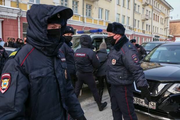 Несанкционированная акция в поддержку Навального в Кеморово. Фото: Максим Киселев/ТАСС