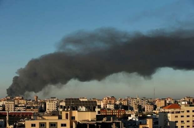 После серии взрывов город Газа остался без электричества
