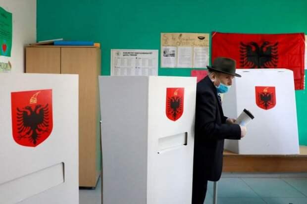 В Албании проходит голосование на парламентских выборах