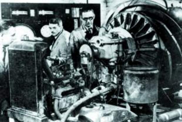 Экспериментальная установка с двигателем W.U. и поршневым стартером