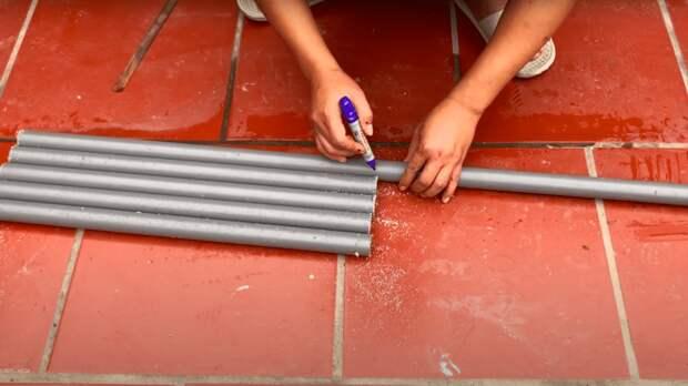 После ремонта осталась плитка, пластиковые трубы и немного цемента? Отличная идея для реализации