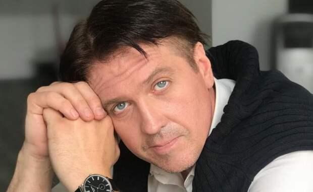 Денис Матросов заявил о домогательствах со стороны мужчины