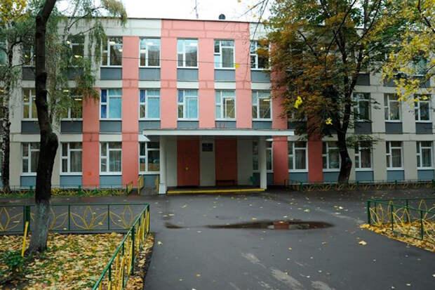 Стало известно о требованиях мужчины, угрожавшего взорвать школу в Москве